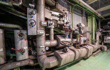 Neodmysliteľnou súčasťou našich prác sú taktiež vodoinštalatérske a kúrenárske práce. Realizujeme taktiež komplexné elektroinštalačné služby.